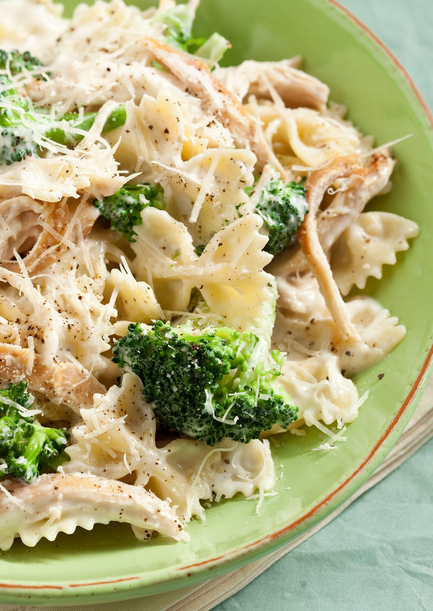 Chicken And Broccoli Alfredo  Keeprecipes Your Universal -6999
