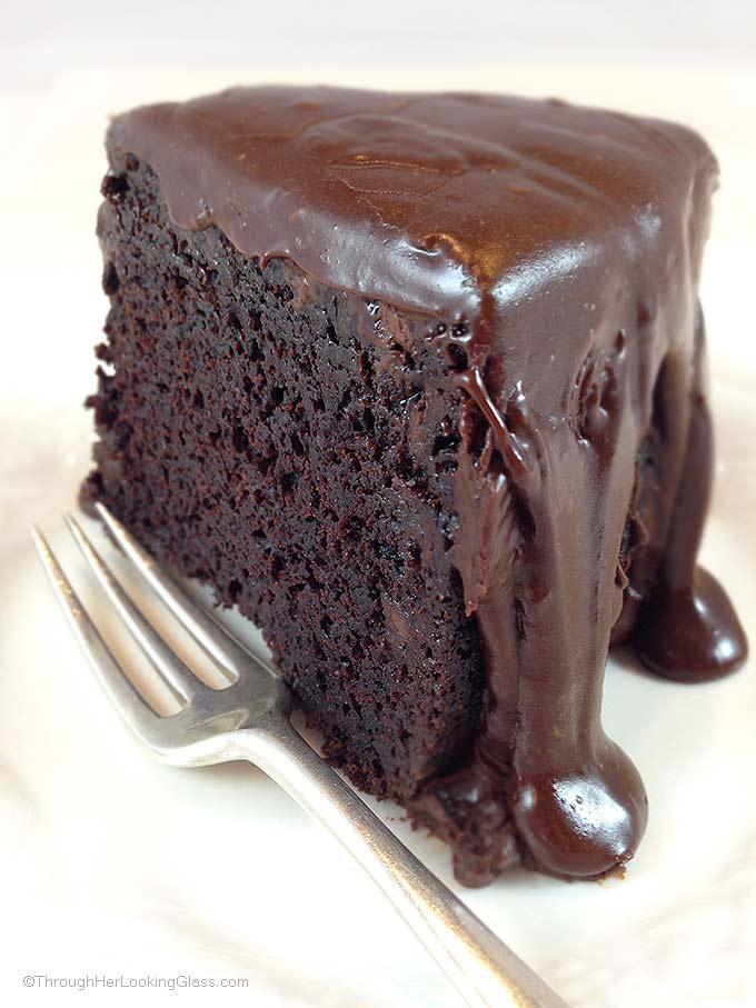 Famous Chocolate Fudge Cake Recipe