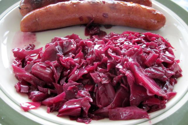 Traditional German Red Cabbage Rotkohl Recipe Keeprecipes Your Universal Recipe Box