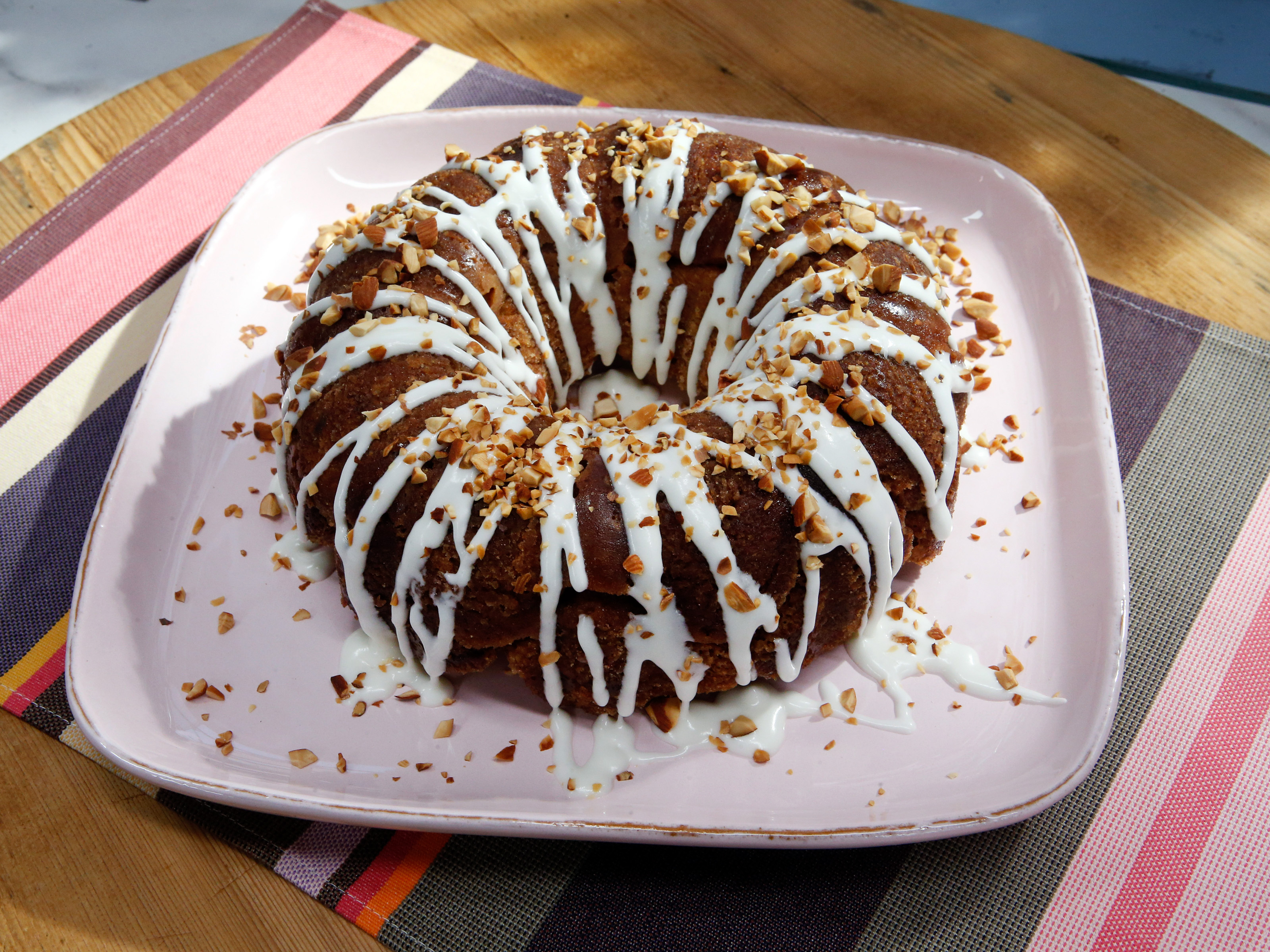 Cinnamon Almond Dark Chocolate Monkey Bread with Cream Cheese ...