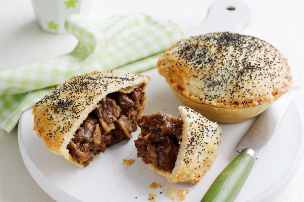 Chunky Steak And Gravy Pies Recipe | KeepRecipes: Your Universal ...