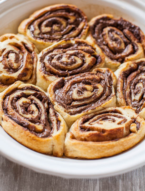 Nutella Cinnamon Rolls with Vanilla Glaze | KeepRecipes: Your ...