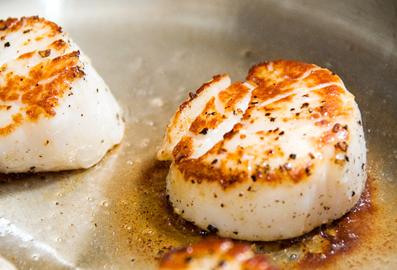 Pan Seared Scallops Recipe Keeprecipes Your Universal
