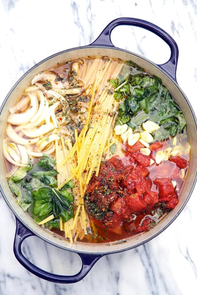One Pot Wonder Tomato Basil Pasta Recipe Keeprecipes