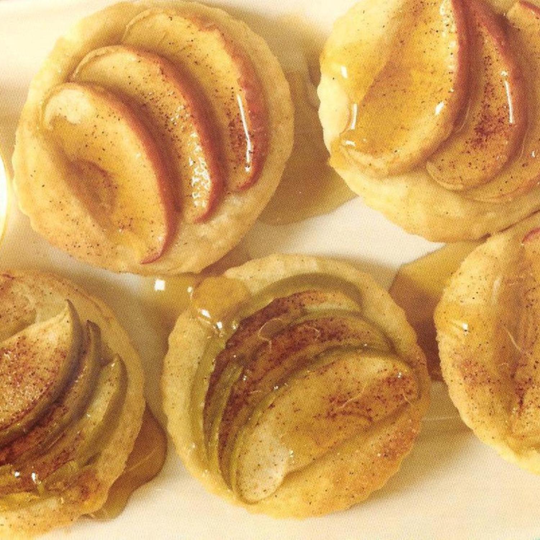 MINI HONEY APPLE TARTS Recipe   KeepRecipes: Your ...