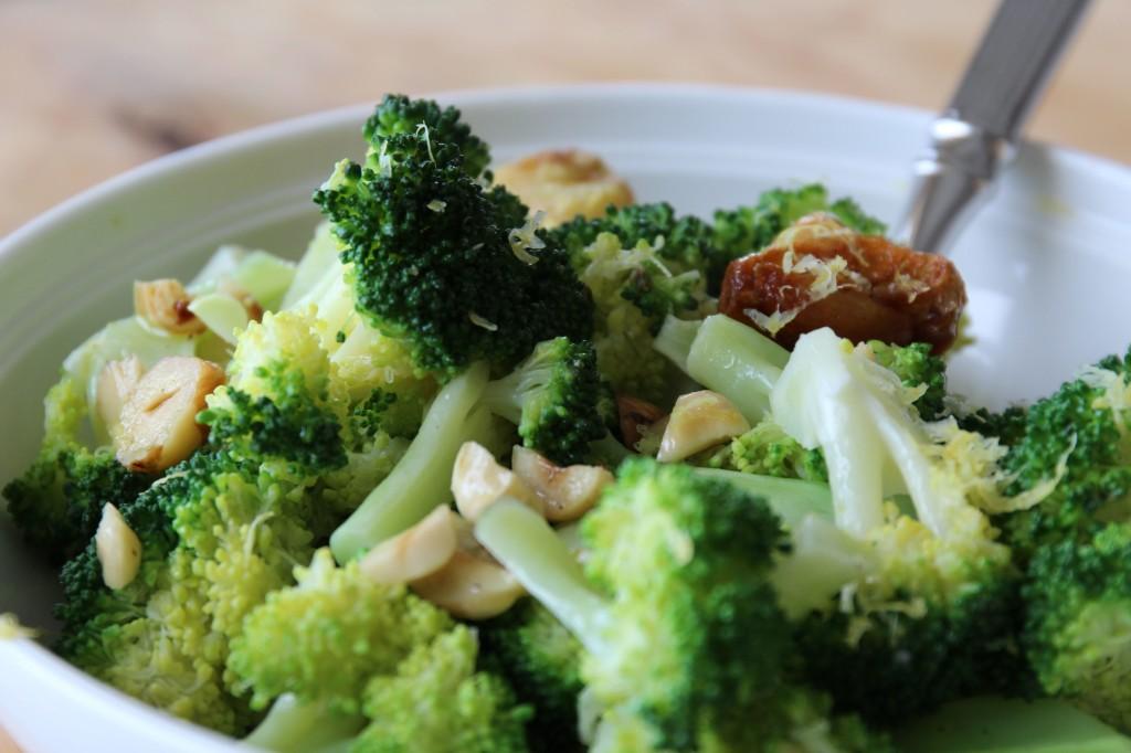 Салат с брокколи фото рецепт