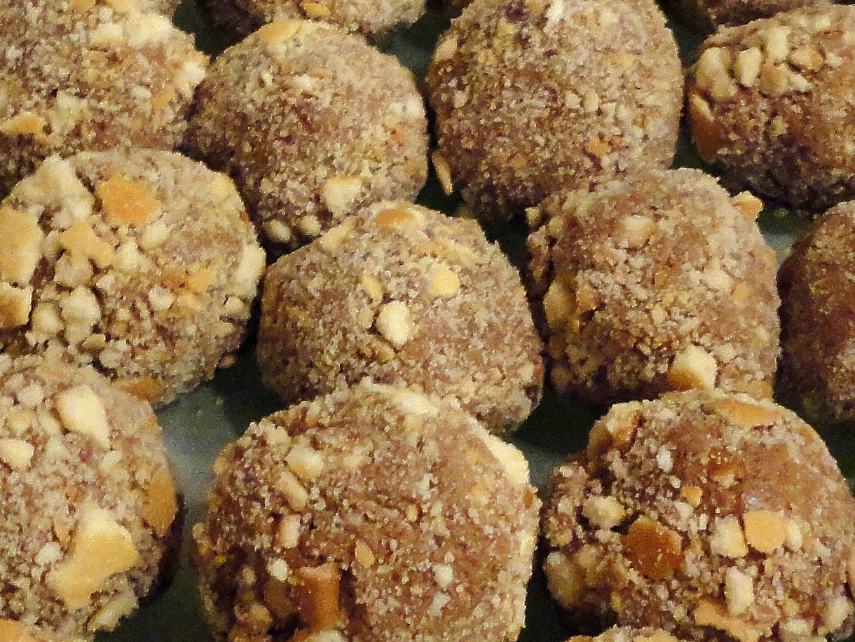 Lion House Chocolate Almond Balls | KeepRecipes: Your Universal Recipe ...
