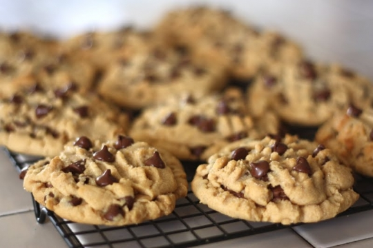 Reese's-Stuffed Peanut Butter Chocolate Chip Cookies ...