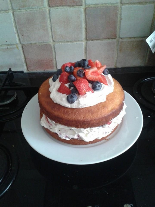 how to keep fruit cake soft
