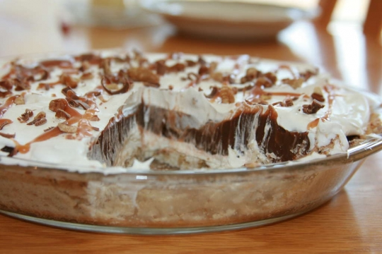 Chocolate Caramel Heaven Pie | KeepRecipes: Your Universal Recipe Box