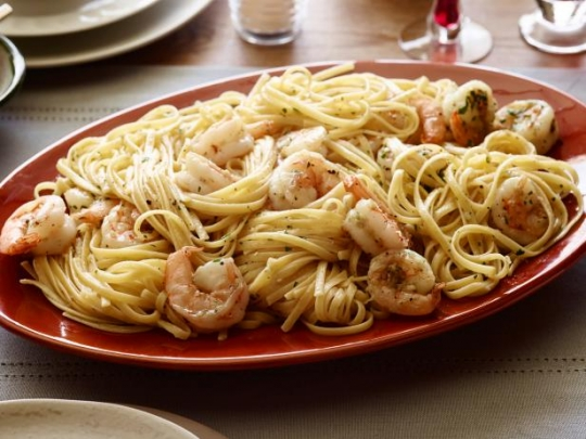 Shrimp scampi with linguini keeprecipes your universal recipe box see original recipe at foodnetwork forumfinder Gallery