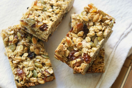 Image of granola bars for a healthy snack in the office.