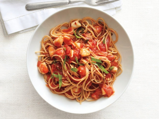 Spaghetti with spicy scallop marinara sauce keeprecipes your see original recipe at foodnetwork forumfinder Image collections