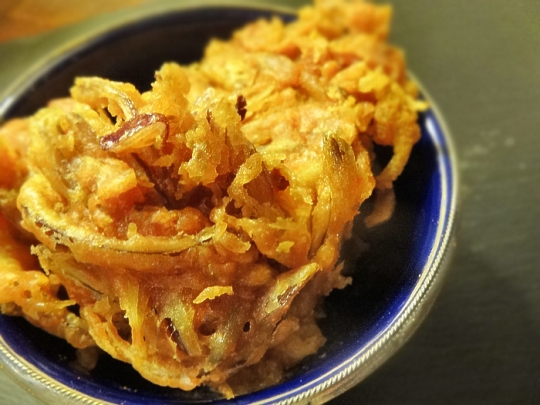 how to make onion bhaji easy