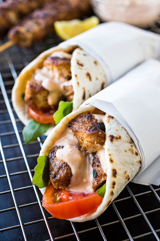 Grilled Lemon Chicken Flatbread Wraps with Spicy Garlic Sauce ...