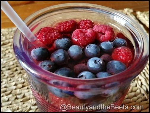 Homemade Very Berry Hibiscus Refresher A La Starbucks Keeprecipes
