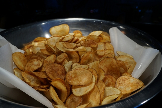 Air Fryer Potato Chips Keeprecipes Your Universal