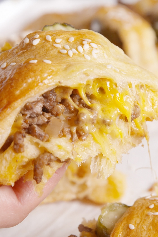 Cheeseburger Crescent Ring Keeprecipes Your Universal