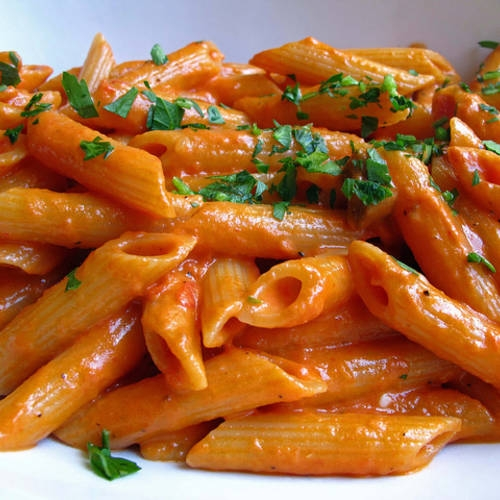 Penne alla Vodka (Penne in a Tomato-Vodka Sauce) | KeepRecipes: Your ...
