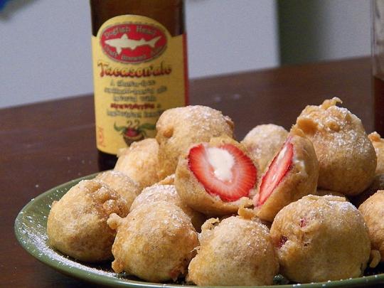 Deep Fried Cheesecake Stuffed Strawberries Keeprecipes