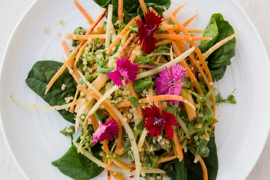 Spicy Carrot and Quinoa Salad with Coconut Lime Dressing | KeepRecipes ...
