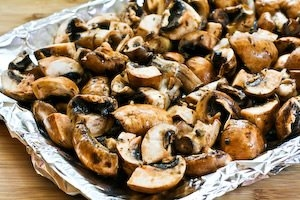 Roasted Mushrooms with Garlic, Thyme, and Balsamic Vinegar ...