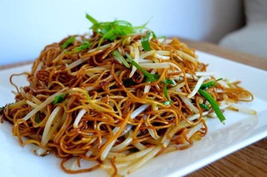 cantonese soy sauce panfried noodles keeprecipes your