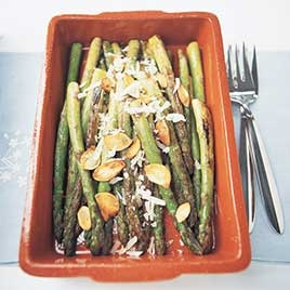 Pan-Roasted Asparagus with Toasted Garlic and Parmesan | KeepRecipes ...