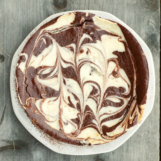 Flourless Chocolate And Cream Cheese Marble Cake