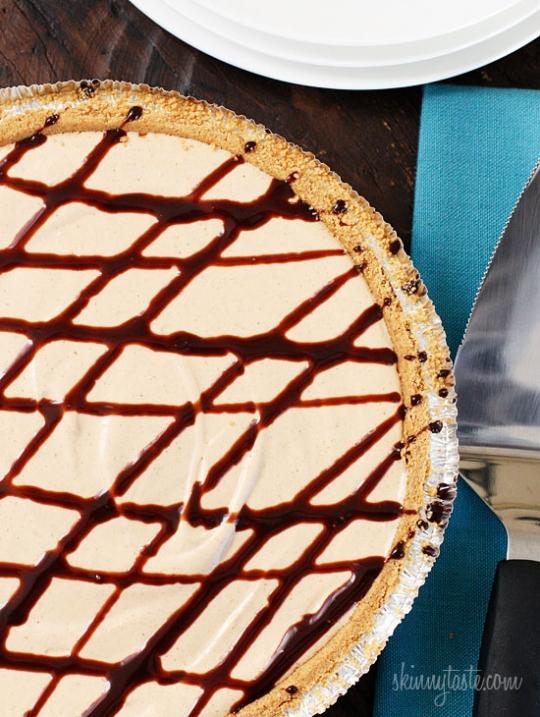 Skinny No-Bake Peanut Butter Pie