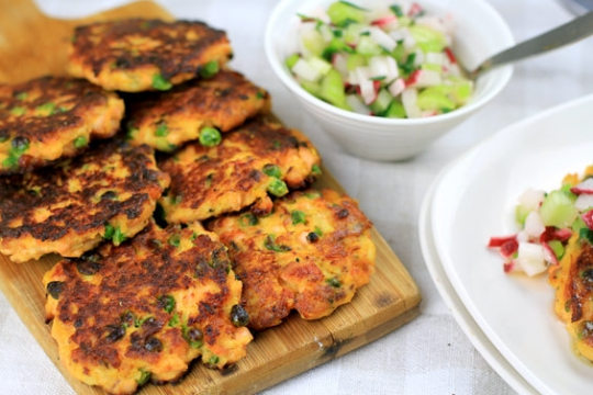 Paleo salmon fish cakes with radish celery salsa for Whole foods fish on sale this week