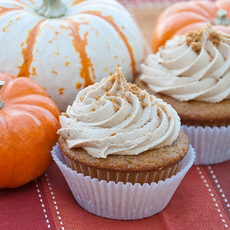 Pumpkin Cupcakes with Biscoff Buttercream | KeepRecipes: Your ...