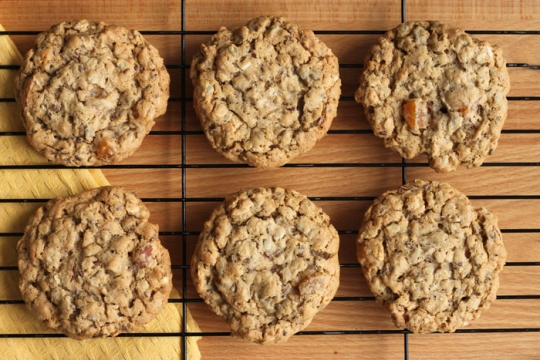 The best Chewy Apricot Almond Oatmeal Cookies! | KeepRecipes: Your ...