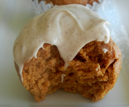 Pumpkin Spice Cupcakes with Cinnamon Cream Cheese Frosting ...