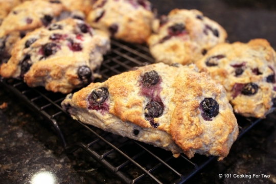 Low Fat Whole Wheat Blueberry Scones | KeepRecipes: Your ...