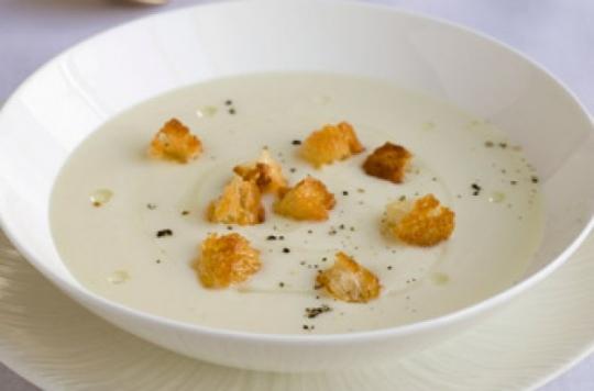 Gordon Ramsay S Cream Of Cauliflower Soup Keeprecipes Your Universal Recipe Box