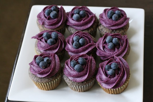 Blueberry Cupcakes with Blueberry Cream Cheese Frosting | KeepRecipes ...