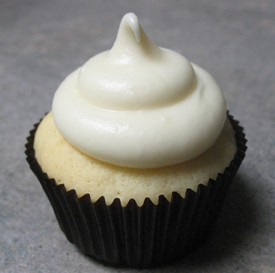 lemon-cupcake-with-cream-cheese-frosting.jpg
