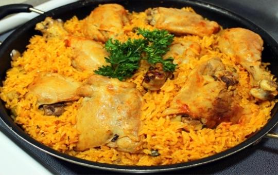 El chino del pica pollo folla chica dominicana - 1 part 4