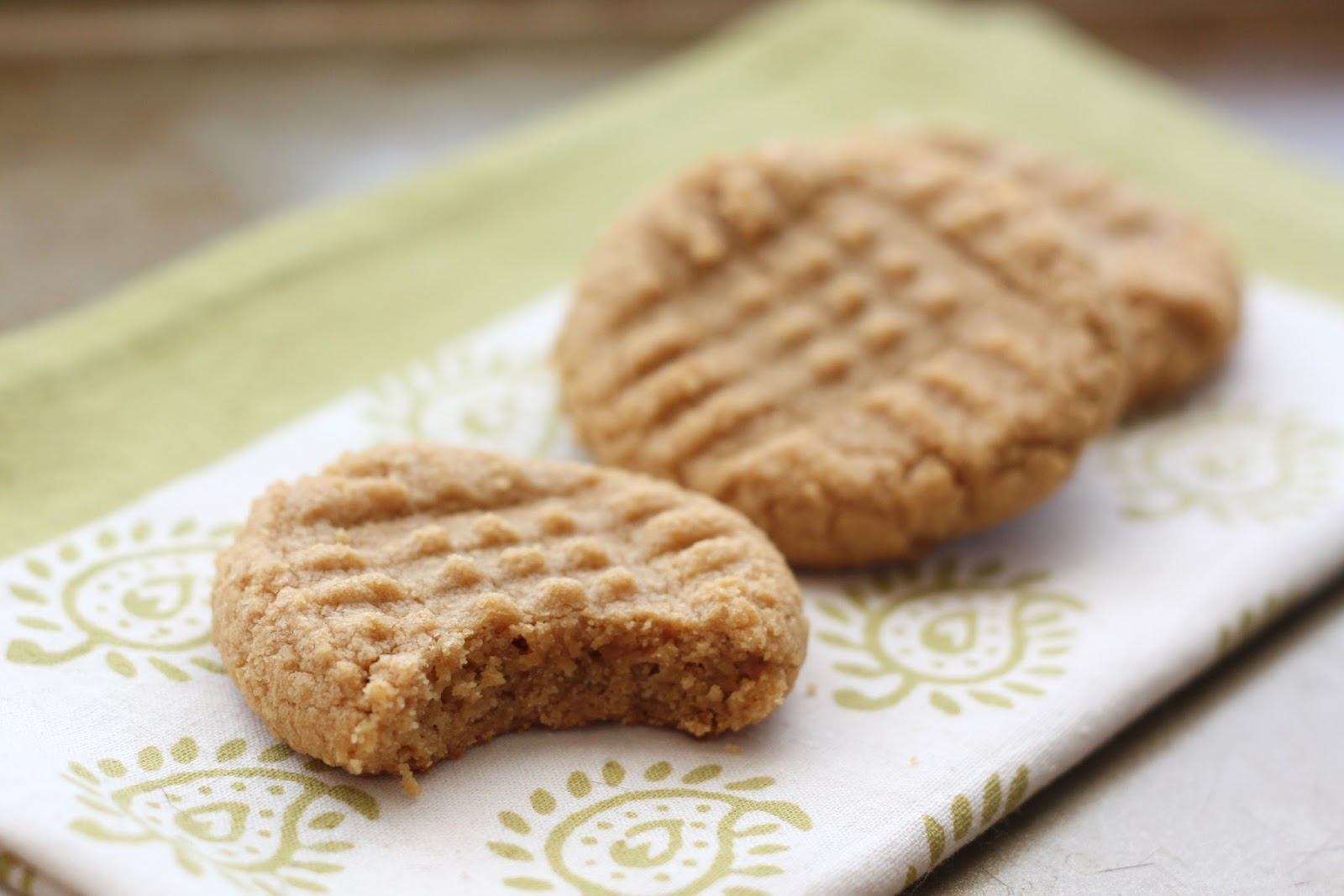Old Fashioned 3 Ingredient Peanut Butter Cookies | KeepRecipes: Your ...