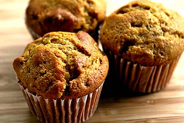 Healthy Pumpkin Muffins -- A Low-Oil, Fast Recipe | KeepRecipes: Your ...